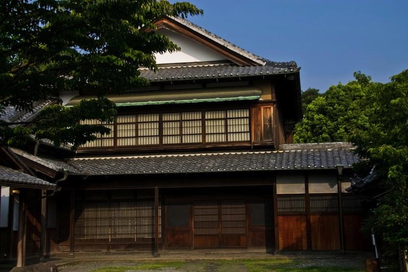 old_Japanese_style_house