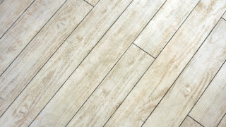床板が地震から家を守る